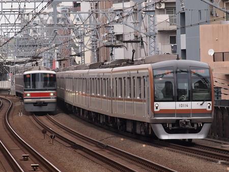 メトロ10000系Fライナーと東急3000系各停 武蔵小杉駅
