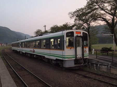 AT600形 会津鉄道芦ノ牧温泉駅