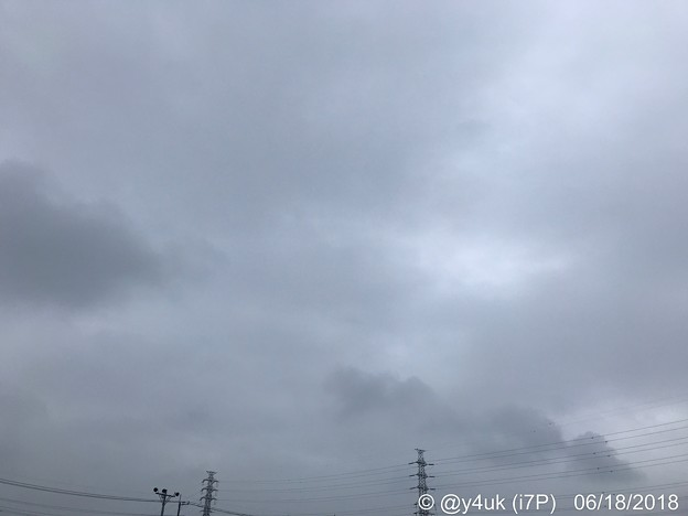 写真: 寒い梅雨空、耐える鉄塔~届け熱い発熱。旅、届け想い託し、念願の電池~W杯日本代表がんばれ~揺れる日本列島のために。road of 〒&battery, 1st night All for Japan!