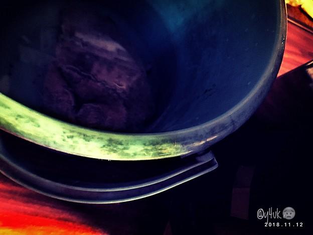Photos: 冬が来る…再び水雑巾で床&ストーブ掃除~あすから寒さ到来だ冷たい冬支度だ~青いバケツ…汲んで捨てて…今回はコーヒー色にならず飲めないけどいいかい?冷たい水の手で暖かい灯火を愛を探してる…影のある人間は
