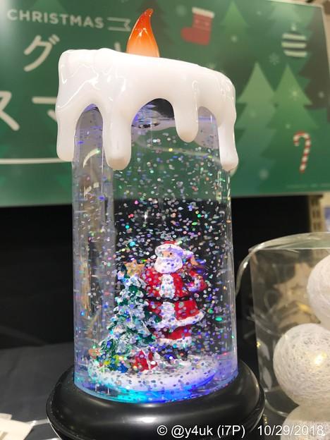 17:56Candle snow into Santa :) fire warm Xmas~ロウソクの中に雪が降りサンタがクリスマスツリーと共に呼んでいる♪行かなくちゃ雪の中へ暖かい火の中へ。冷か暖か