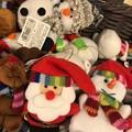 So cute Little Santa, Snowman and moremore :) ~ブルーインパルス旅後の店で発見!マフラーも帽子もして可愛い!サンタもスノーマンも仲良しぬいぐるみXmas!