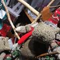 Photos: 謎の君の名は(ムーミン?)~北欧的*オシャレファッションしちゃってどこ行くの?手編みカラフルな帽子とマフラーして可愛く2人は夜Xmasデートだっていいなぁじゃプレゼントいらないねラヴラヴね!欲しかった