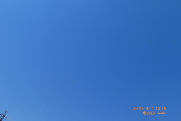 4.4.2019_10:18<44>@y4ukの日。旅の日のam青空BlueSky快晴(^。^)穏やか鉄塔もひょっこりはん~日光浴が気持ちぃ春太陽温度が心地よく未確認飛行物体も写(25mm:TZ85)