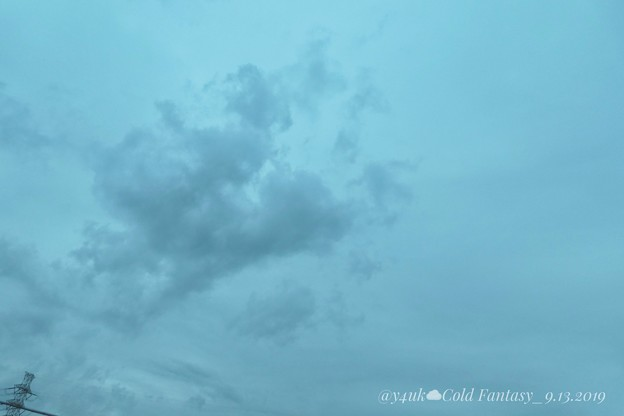 "22℃old Fantasy sky with Steel Tower""13日の金曜日""~今夏初、肌寒い日夜、早い秋曇り空。一息してね「千葉著名人達のコメ」(クリエイティブ""ファンタジー"":TZ85)"