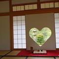 写真: 正寿院の猪目窓