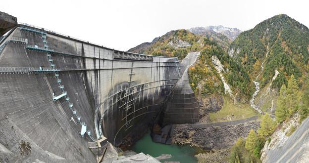 一斉放水が終わった黒部ダム