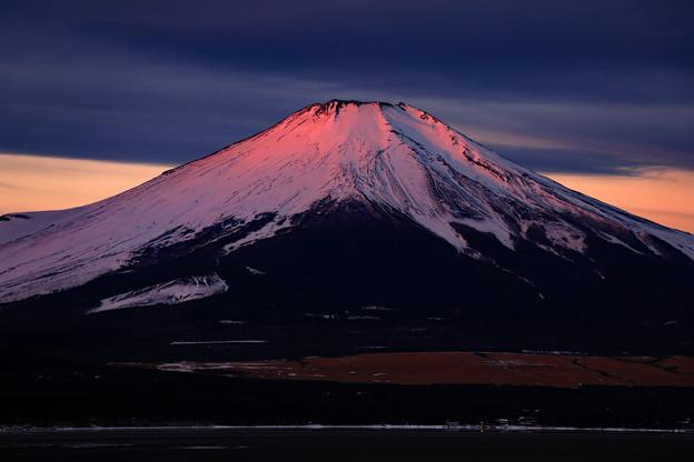 写真: 夜明けを迎えて