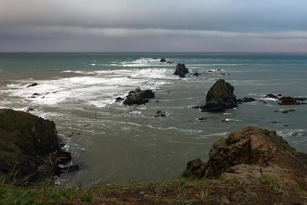吹きすさぶ岬