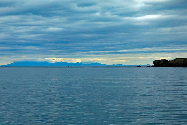 国後島を望む