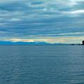 写真: 国後島を望む