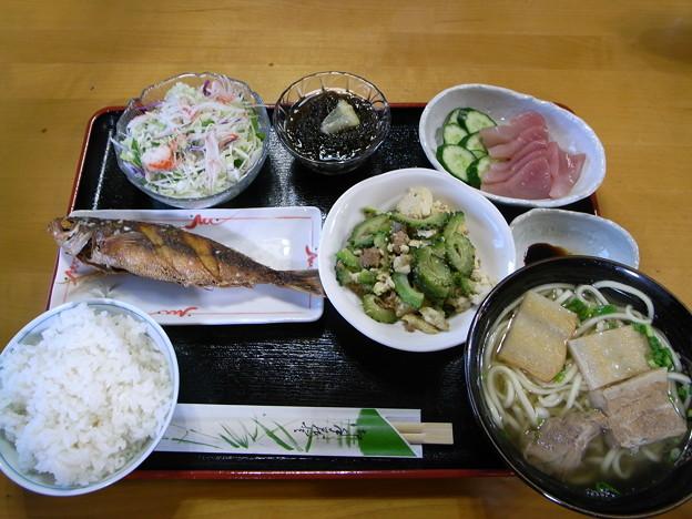 ペンションたきなか夕食(来間島)