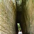 写真: 手掘りトンネル・03
