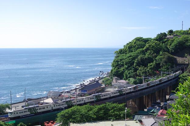 青空と海と国鉄電車