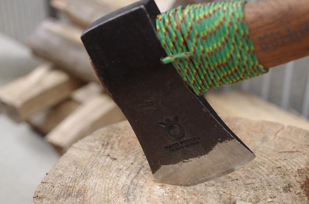 Photos: 薪割り