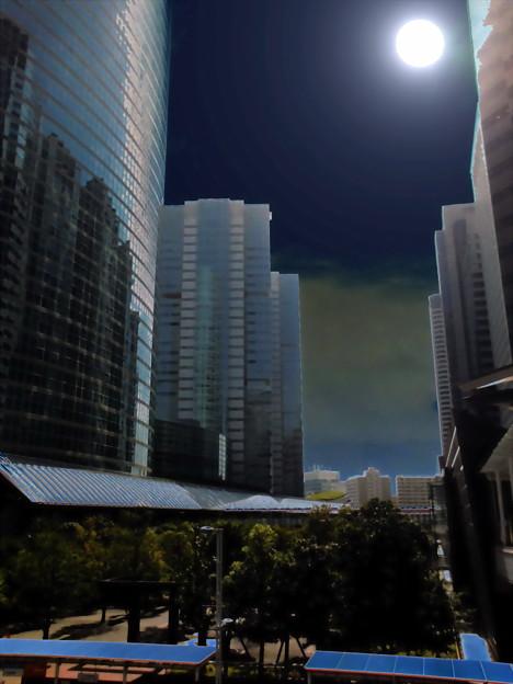 Metropolis_品川駅港南口界隈-33c_フルムーン