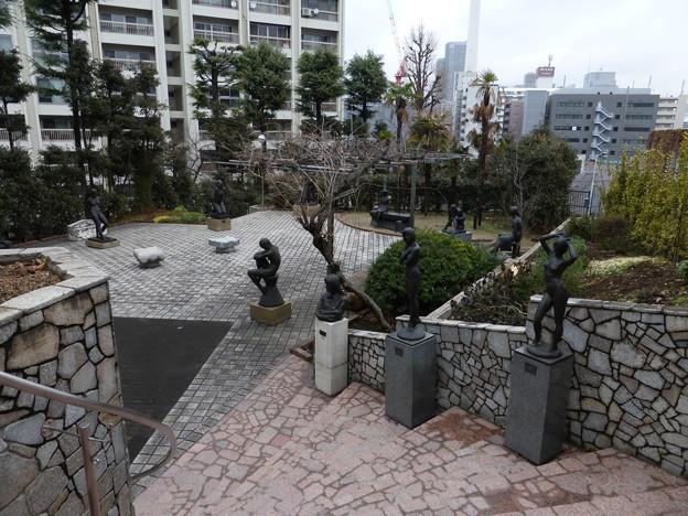 現代彫刻美術館の野外展示