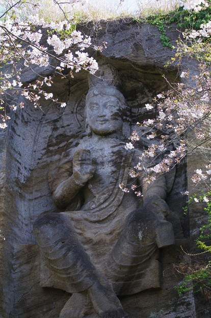 鷹取山の磨崖仏
