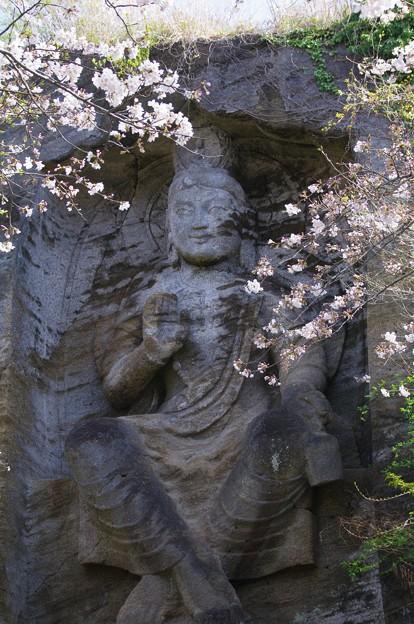 Photos: 鷹取山の磨崖仏