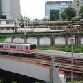 写真: 御茶ノ水駅と東京メトロ丸ノ内線