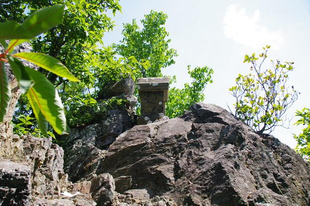 城峯山の天狗岩