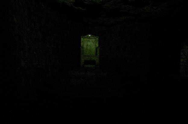 Photos: ブダ王宮地下迷宮に有った椅子