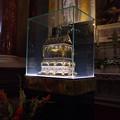 聖イシュトヴァーンの右手のミイラのガラスケース