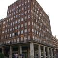 アブソルートシティホステルが有るビル