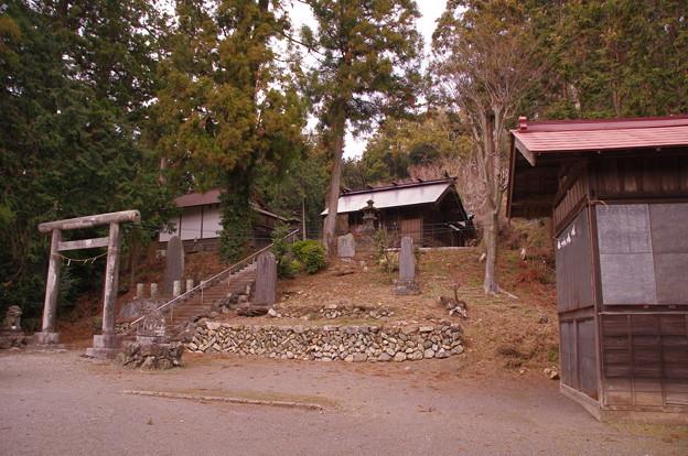 越上山の諏訪神社