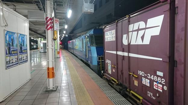 立川駅のEH200