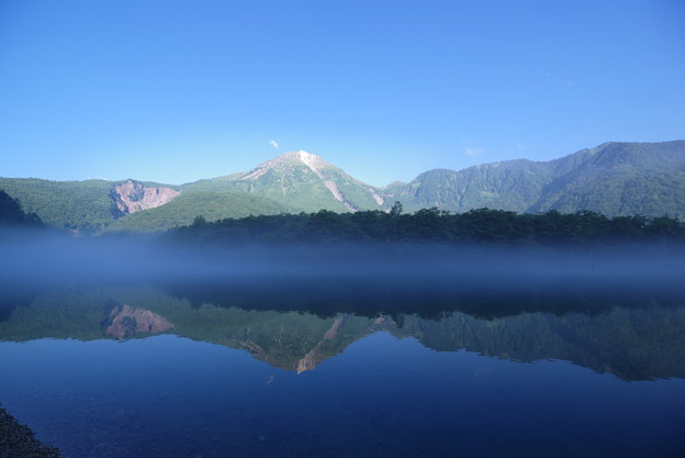Photos: 大正池に写る焼岳