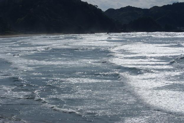 日本海の波