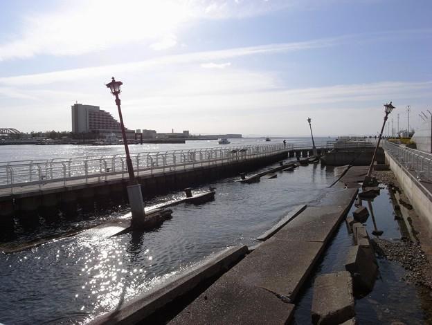 写真: 神戸港震災メリケンパーク03