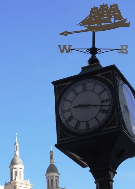 写真: 神戸大丸時計台