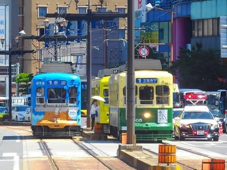 路面電車とパトカー~長崎