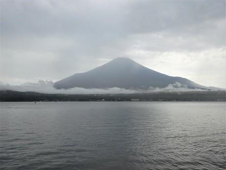 曇天の富士山~山中湖