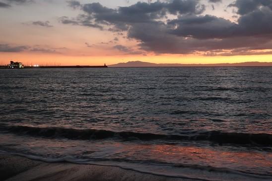 夕暮れ逗子海岸