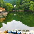写真: 早秋の鎌北湖