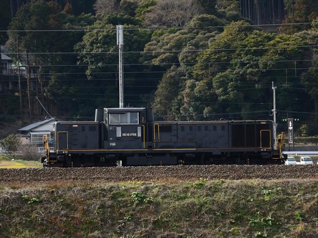 DE10 1756単機
