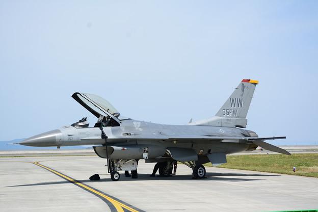 写真: PACAF F-16CM