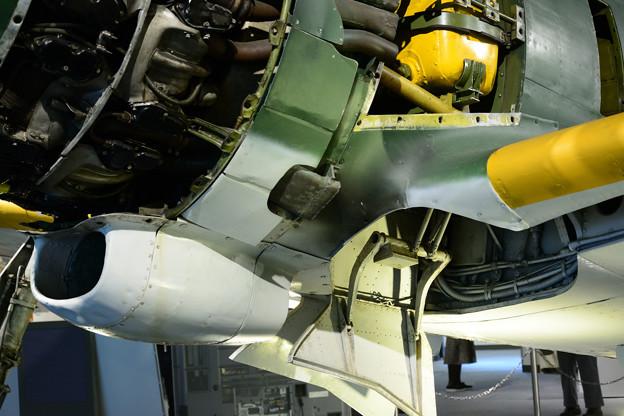 キ84 潤滑油冷却器~左主脚格納庫