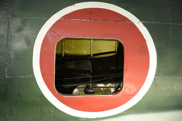 キ84 日の丸内のハッチから覗く操縦索