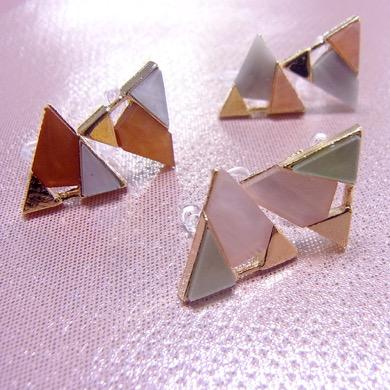 3COINS三角配色樹脂イヤリング