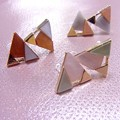 Photos: 3COINS三角配色樹脂イヤリング