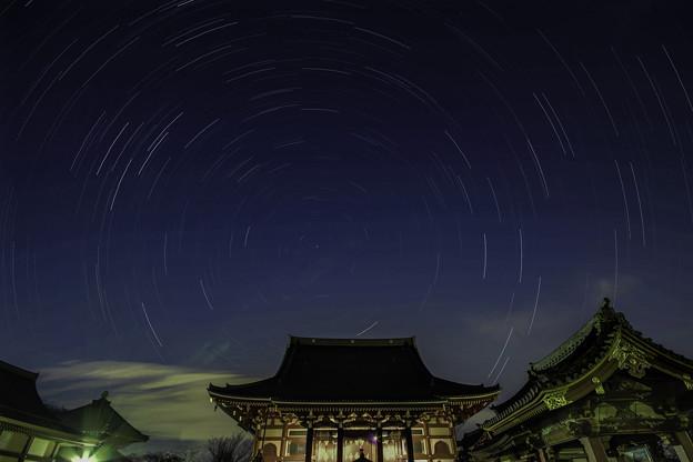 本門寺の空に