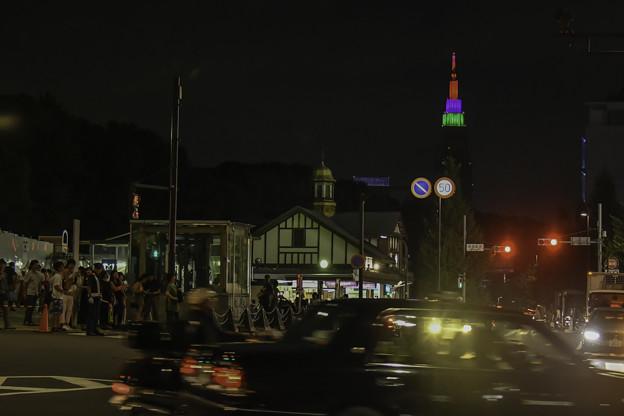 写真: 原宿駅前