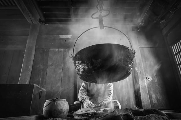 囲炉裏(モノクロ仕上げ)