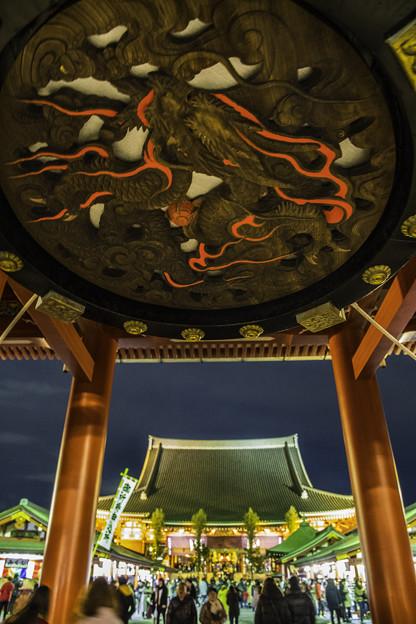 夜の浅草「仁王門」