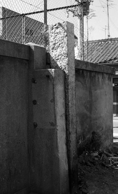 S53 泉陽高校の塀2