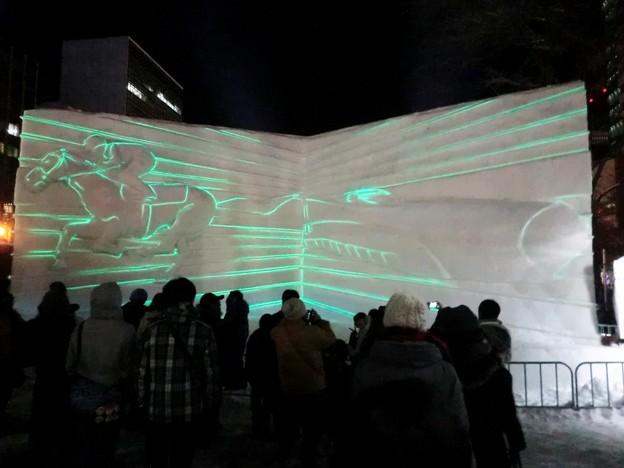 第67回さっぽろ雪まつり 2丁目・道新氷の広場 (1000x750)